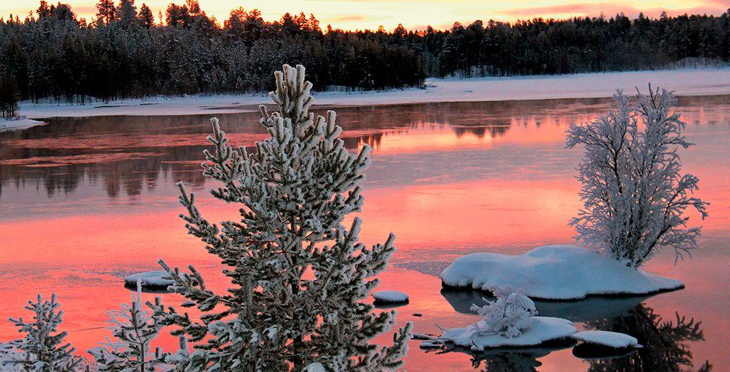 Hay ocho estaciones en el lejano norte, cada una poseyendo su propio tipo de luz del día, temperatura y fenómenos naturales