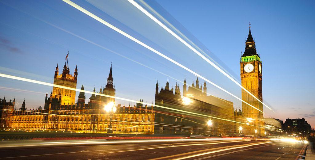El Big Ben, situado en el lado noroeste del Palacio de Westminster