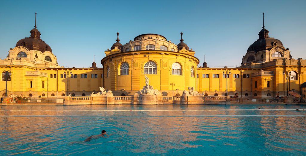 El Balneario Széchenyi es uno de los recintos termales más grandes de Europa