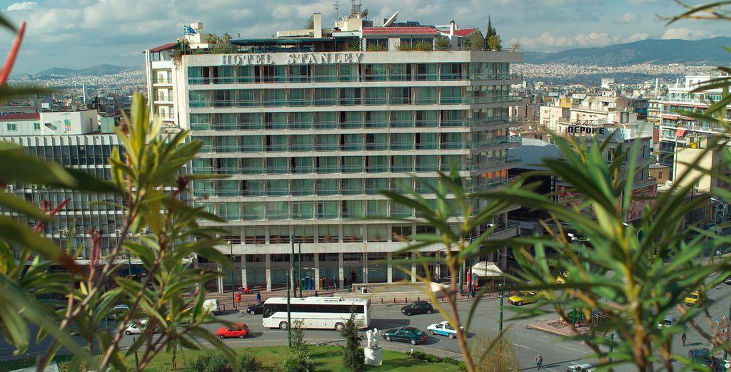 Puede alojarse en el Hotel Stanley 4* en Atenas
