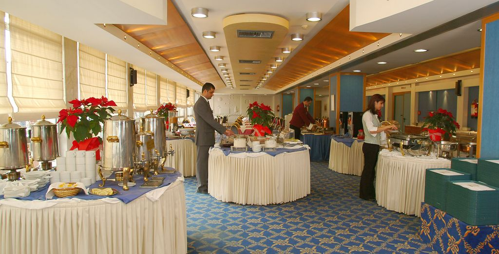 Tome fuerzas con el desayuno en el Hotel Stanley para un día de turismo