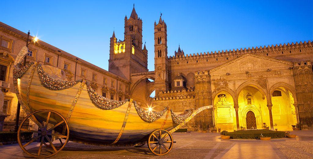 Portal sur de la Catedral, visite hermoso Duomo al atardecer