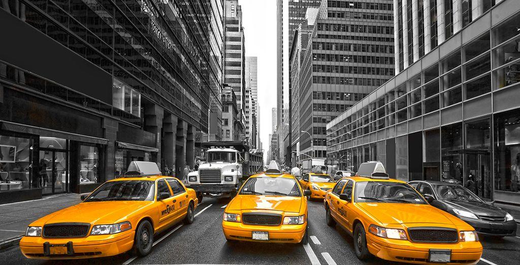 Sus inconfundibles taxis amarillos llenan las calles de la ciudad