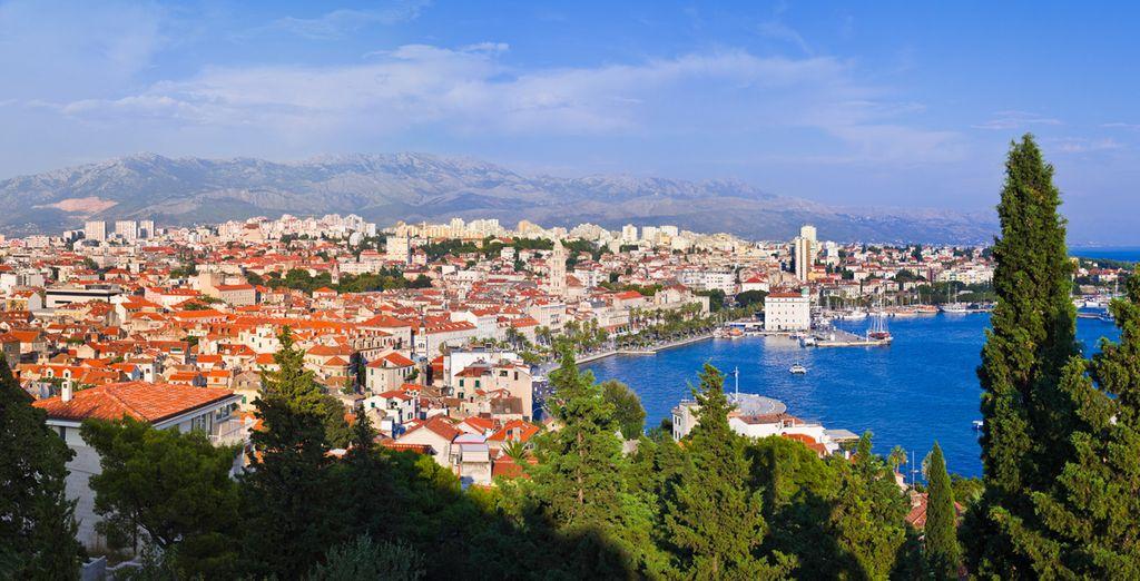 Split situada en la costa Dálmata