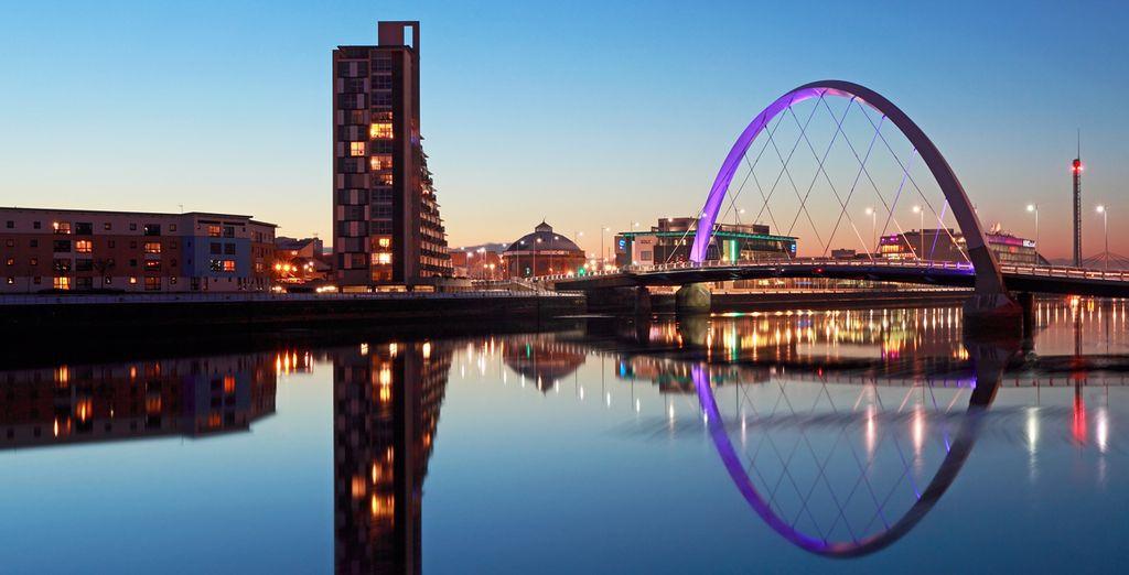 Disfrute de las vistas de la moderna ciudad de Glasgow