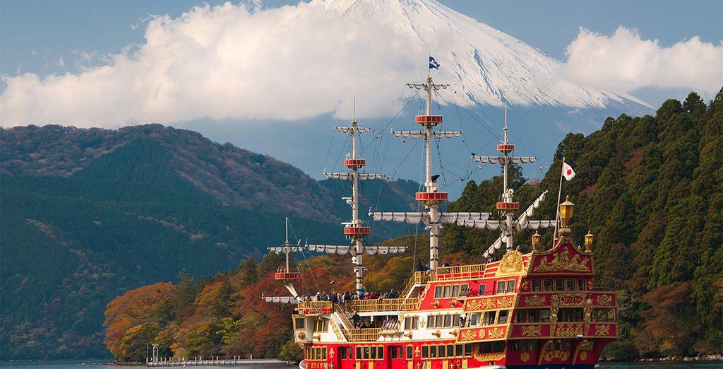 Su siguiente parada un pequeño crucero por el Lago Ashi en Hakone