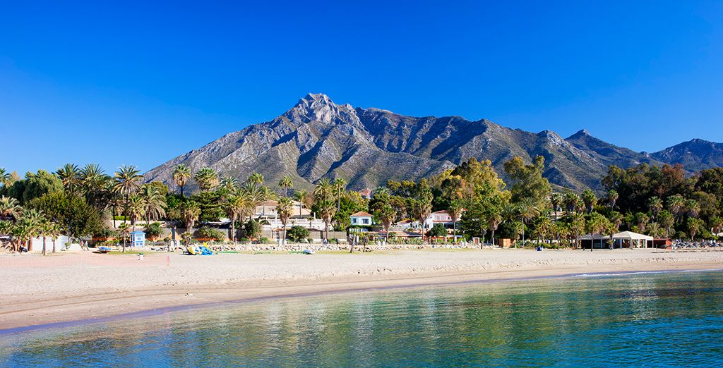 Disfrute de sus espléndidas y extensas playas