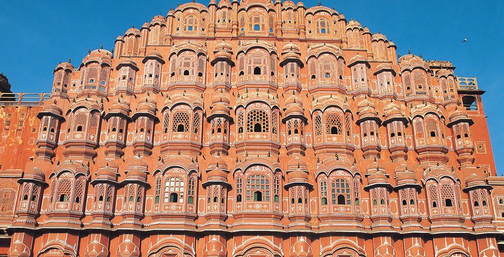 Jaipur, una ciudad rosa de piedra de los cuentos brillantes de hadas