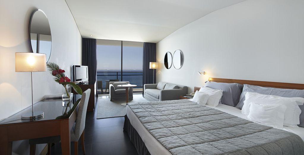 Descanse en su amplia y confortable habitación