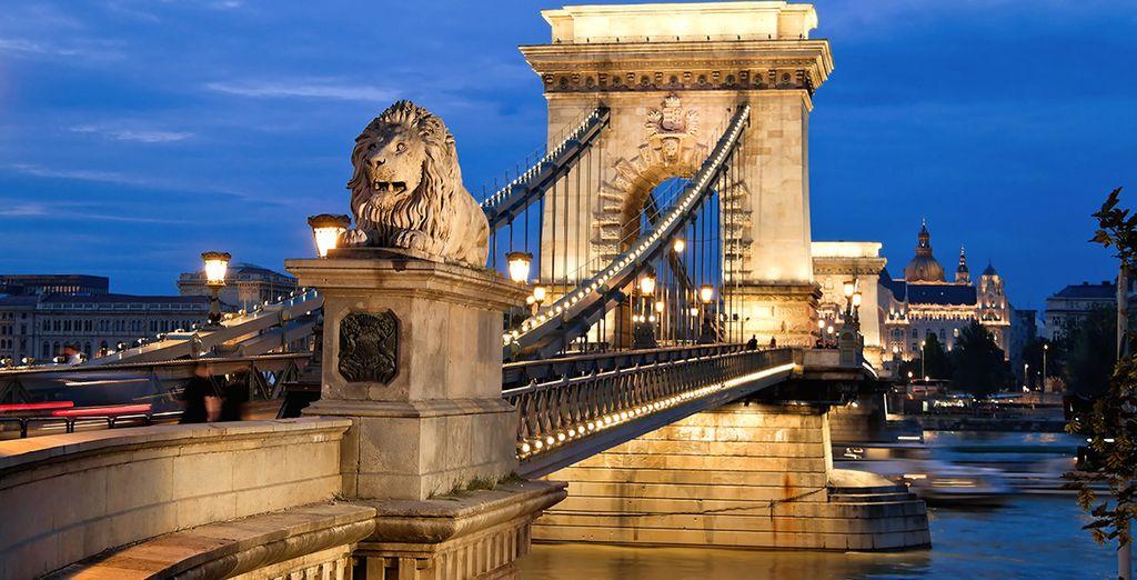 Visite el Puente de las Cadenas en Budapest