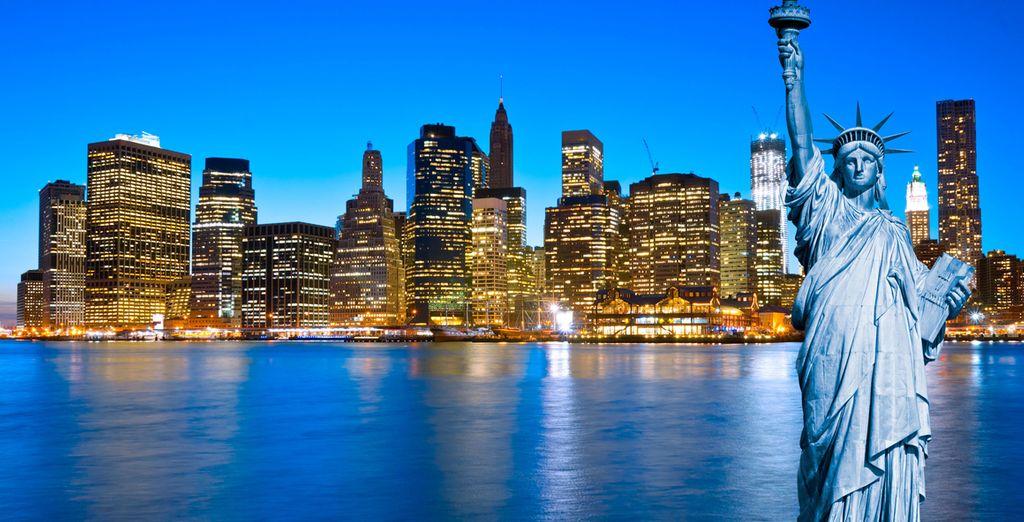 Si lo desea puede visitar la Estatua de la Libertad o bien verla desde el ferry de Manhattan a Staten Island