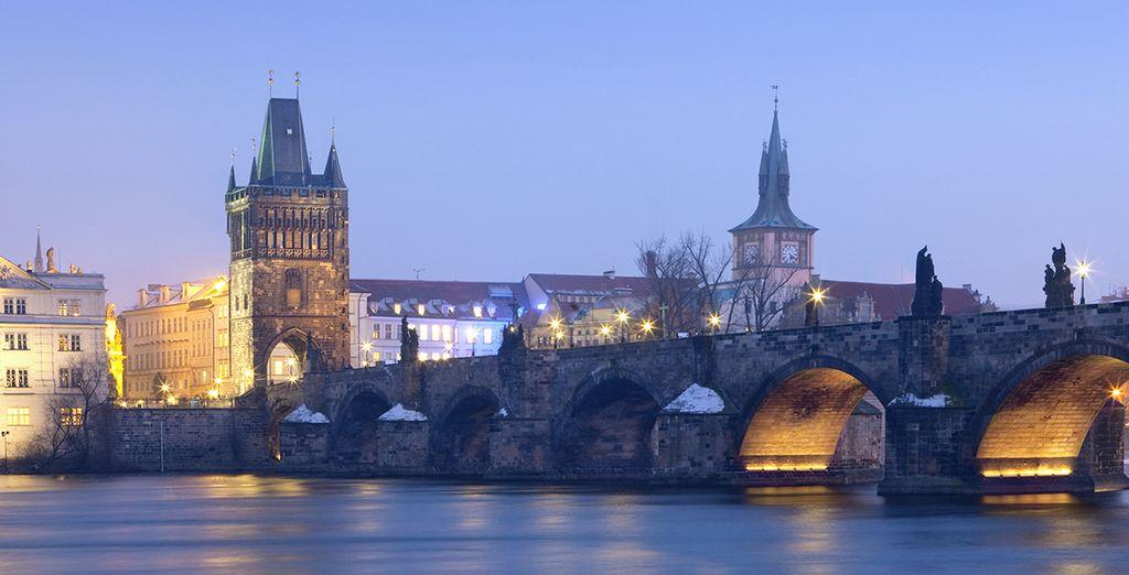 Muchos puentes conectan la ciudad...