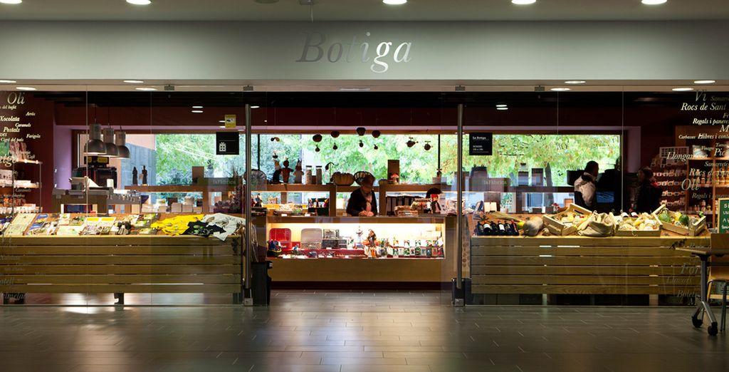 La Tienda de Món Sant Benet es una ventana a los productos agroalimentarios y gastronómicos de la tierra