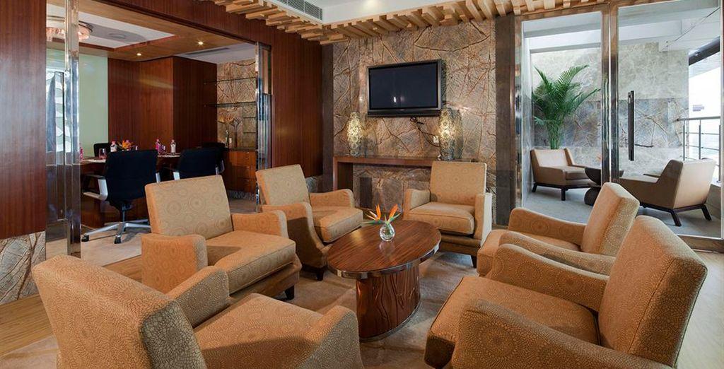 Su estancia en Delhi será en el hotel Crowne Plaza Hotel New Delhi Okhla 5*