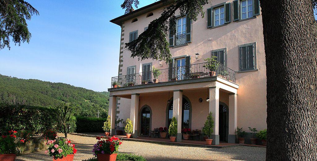 Villa La Grotta 4*, es el punto de partida donde la esencia, la moda y el buen comer se alían para una estancia perfecta