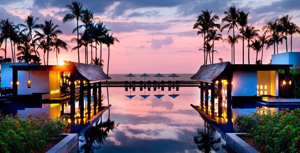 Disfrute de un atardecer mágico en el JW Marriott Khao Lak Resort & Spa