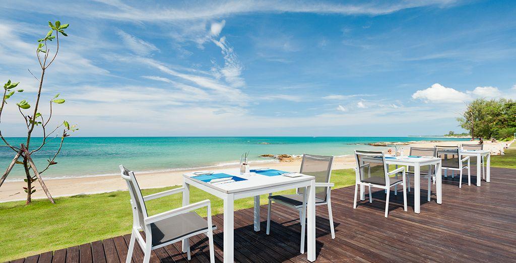 Disfrute de increibles vistas al mar desde la terraza
