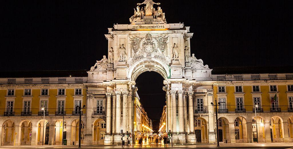 Admire también la belleza iluminada de Lisboa