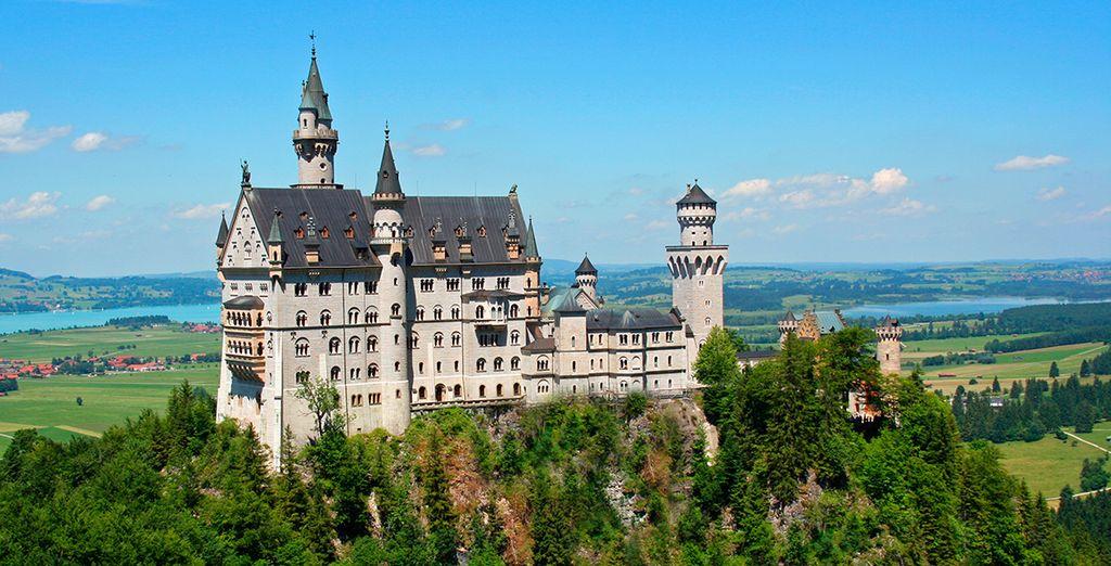 Visite el Castillo de Neuschwanstein...
