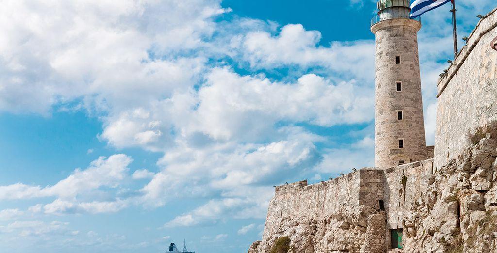 El Castillo del Morro, a orillas del mar