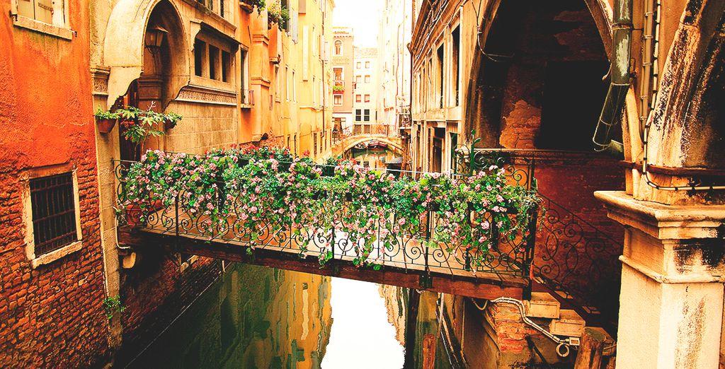 Descubre sus mágicos rincones y enamórate de esta ciudad