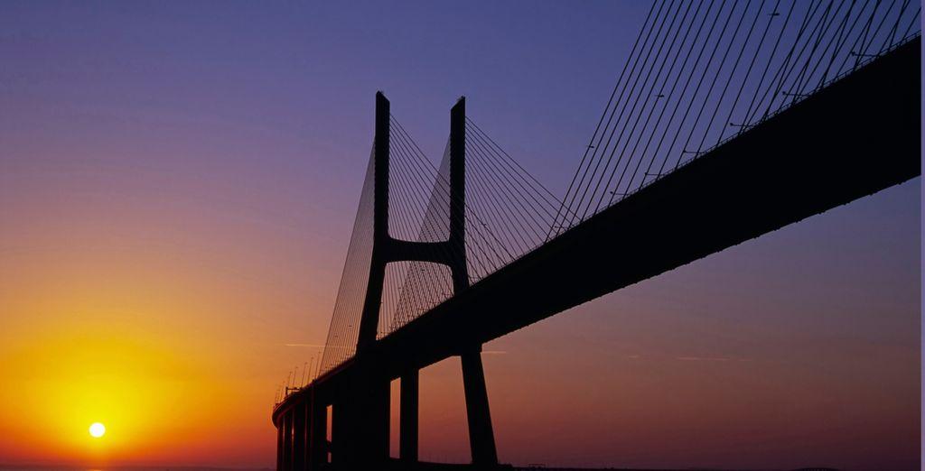 El puente Vasco de Gama sobre el río Tajo