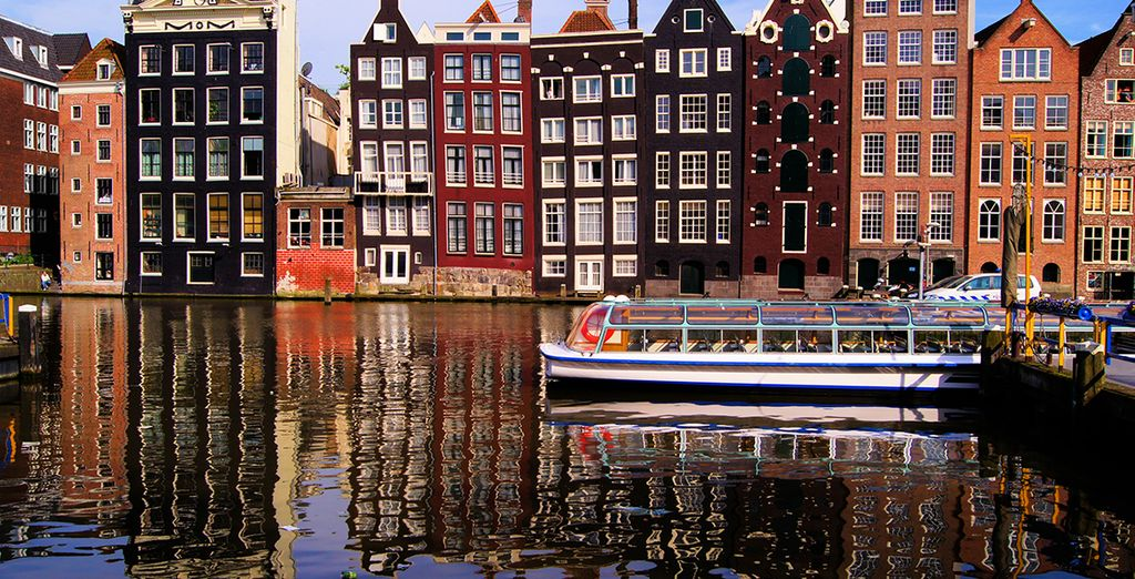 La capital holandesa está llena de canales