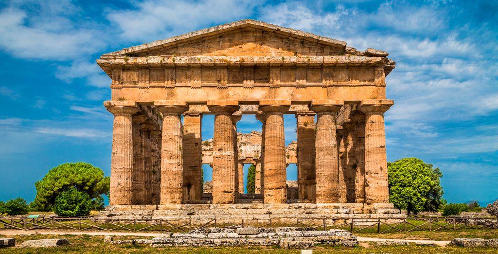 Visitarás Paestum, que posee los templos dóricos mejor conservados del mundo