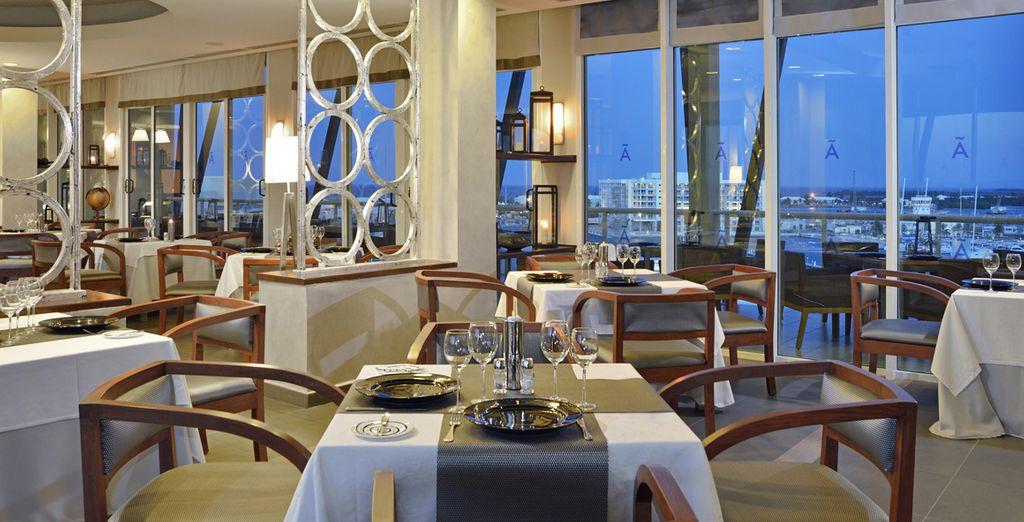 Te alojarás en el Hotel Meliá Marina Varadero