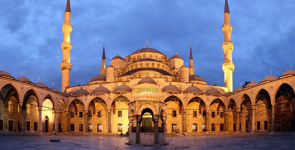 Visita la Mezquita Azul