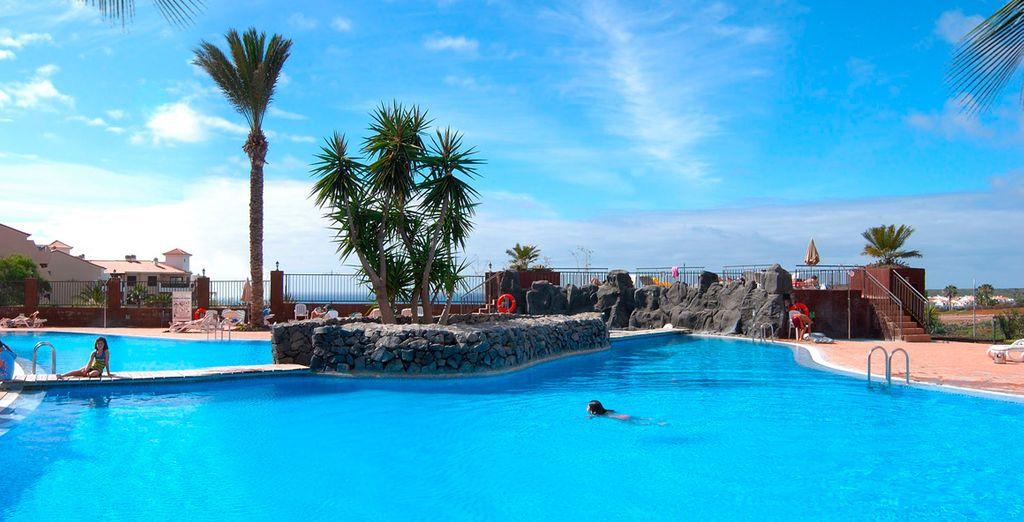 Con una refrescante piscina para el disfrute de toda la familia