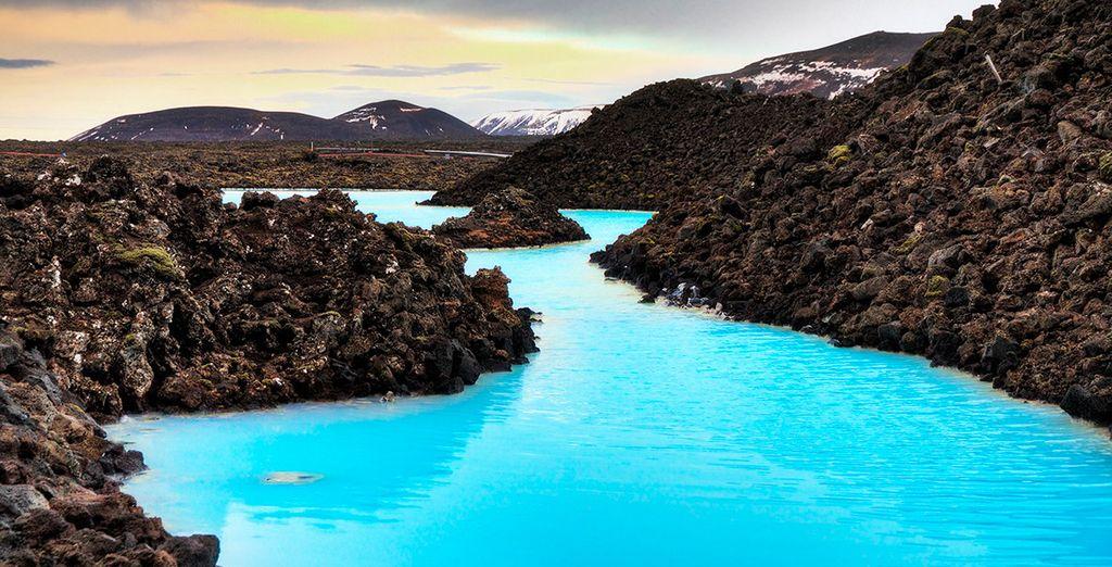 El quinto día disfrutarás de 1 entrada a la Laguna Azul, donde podrás bañarte