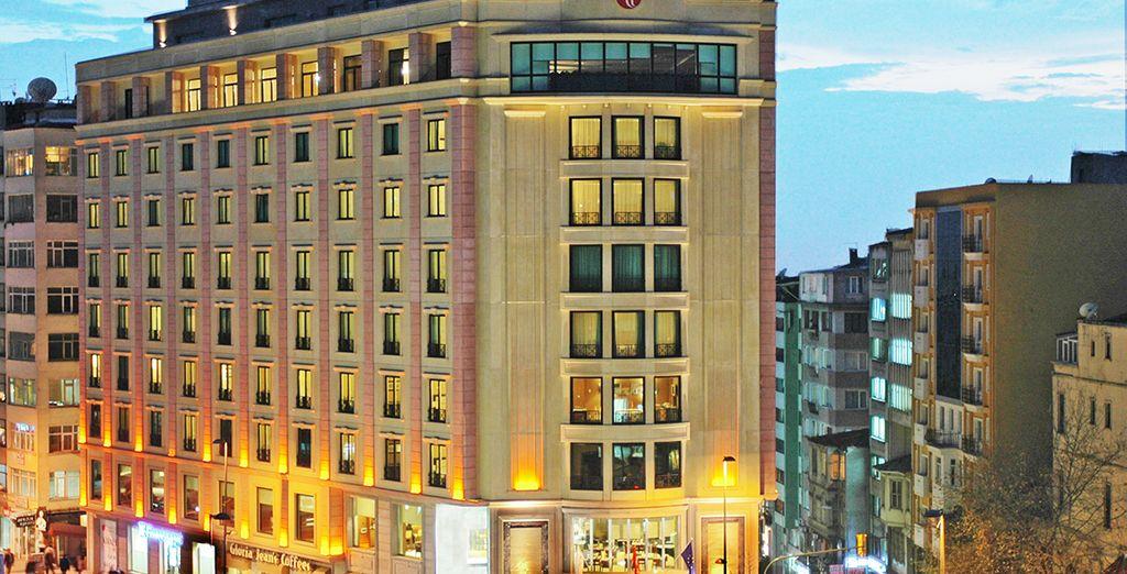 Bienvenido al Hotel Ramada Plaza