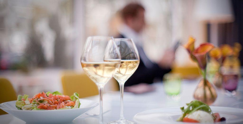 Degusta ricos vinos franceses