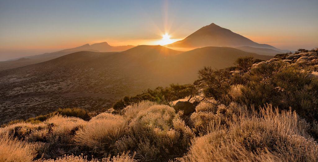 Bellas vistas del Teide al atardecer