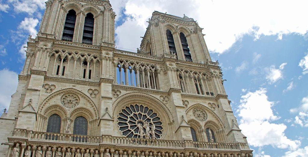 Visita la espectacular Notre Dame