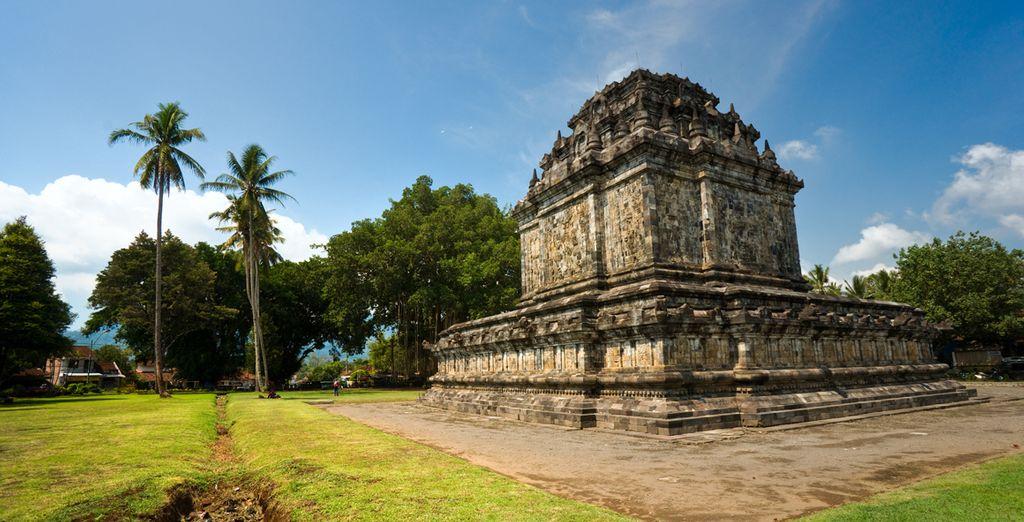 También visitarás el templo de Pawon y Mendut