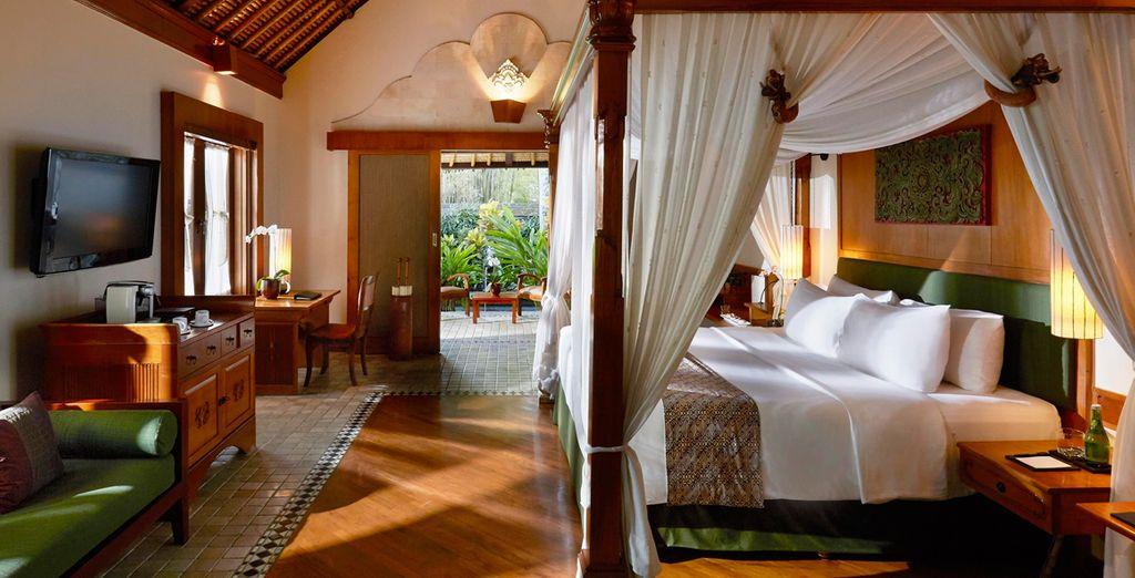 En Nusa Dua te alojarás en el Melia Bali Indonesia 5*
