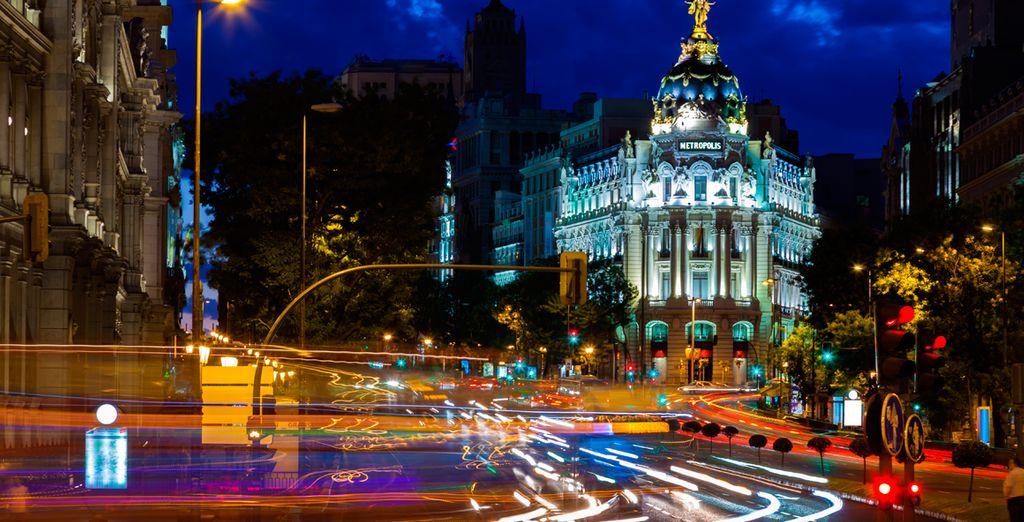 Descubre la Gran Vía, un lugar de visita obligada en Madrid