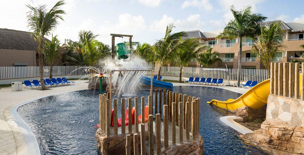 Tendrás acceso al parque acuático del Memories Splash Punta Cana