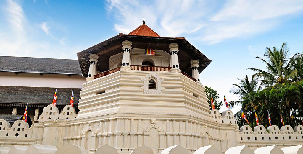 Acércate a Kandy, y visita el Templo del Diente de Buda