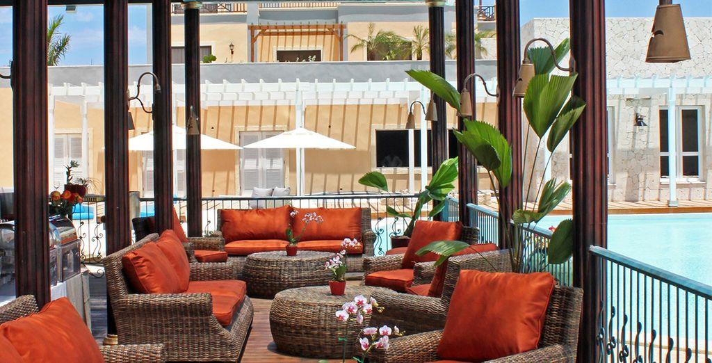 Tómate un cóctel en la terraza del hotel