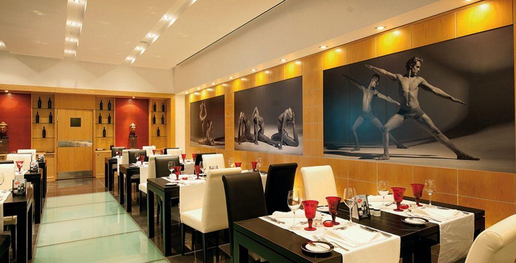 Un restaurante moderno y acogedor