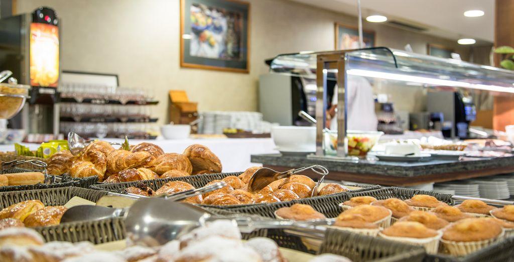 Aprovecha tu desayuno incluido con este fantástico buffet