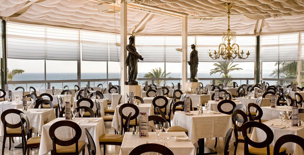 Degusta la gastronomía mediterránea servida en su restaurante