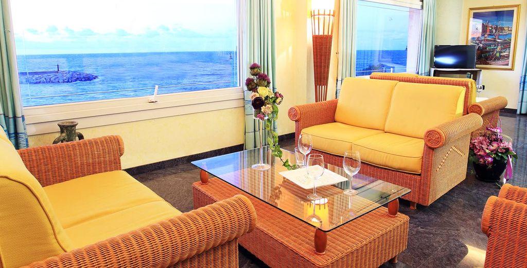 Hotel nantis 4 voyage priv hasta 70 for Camarote interior grimaldi