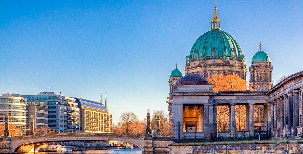 Conoce la catedral en Berlín, a orillas del río Spree
