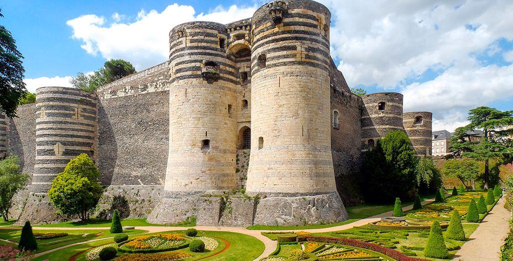 y su castillo