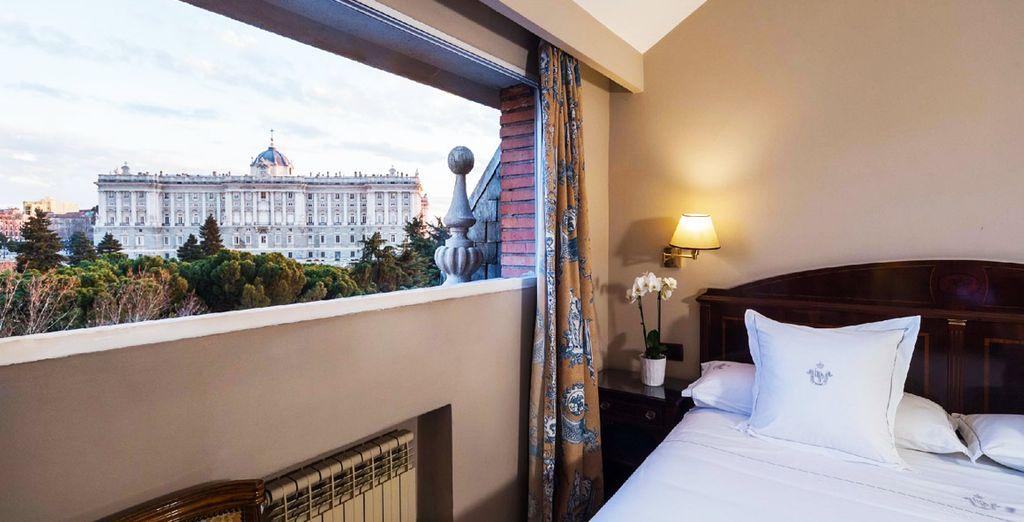 El Hotel Príncipe Pío se ubica frente al Palacio Real