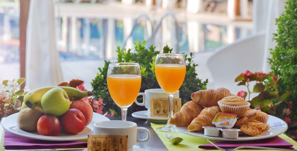 Comienza el día con energía con un completo desayuno